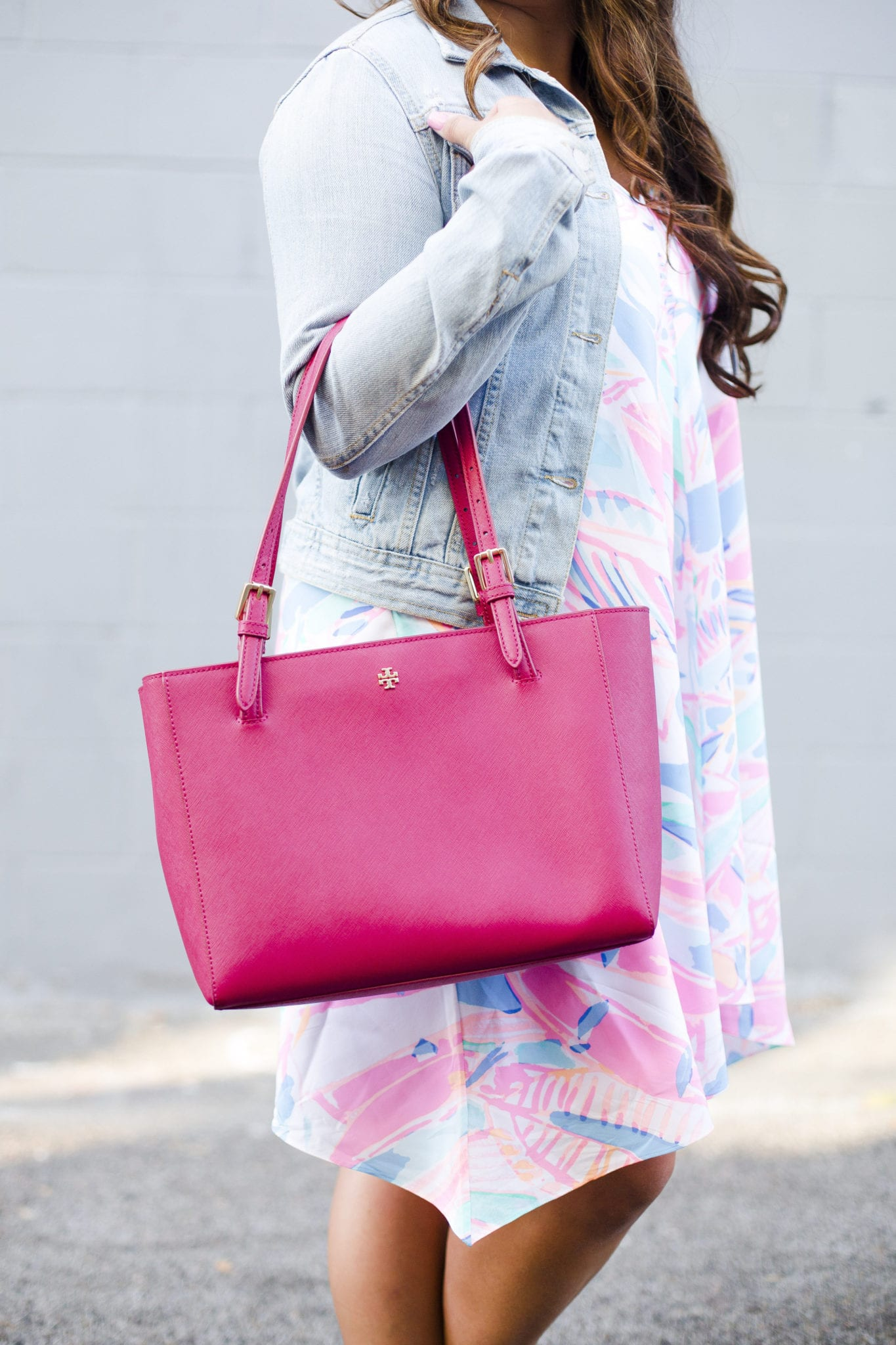 lilly pulitzer preppy dress tory burch purse   Out To Sea Lilly Pulitzer Dress styled by popular San Diego fashion blogger, The Brunette & The Beach