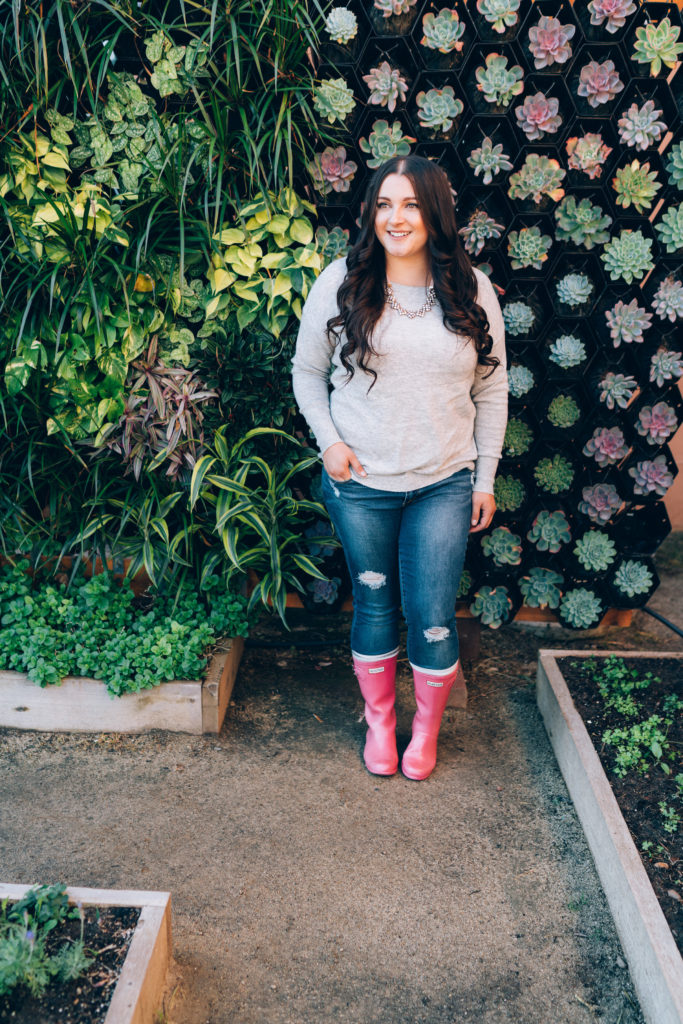 bow back sweater hunter boots