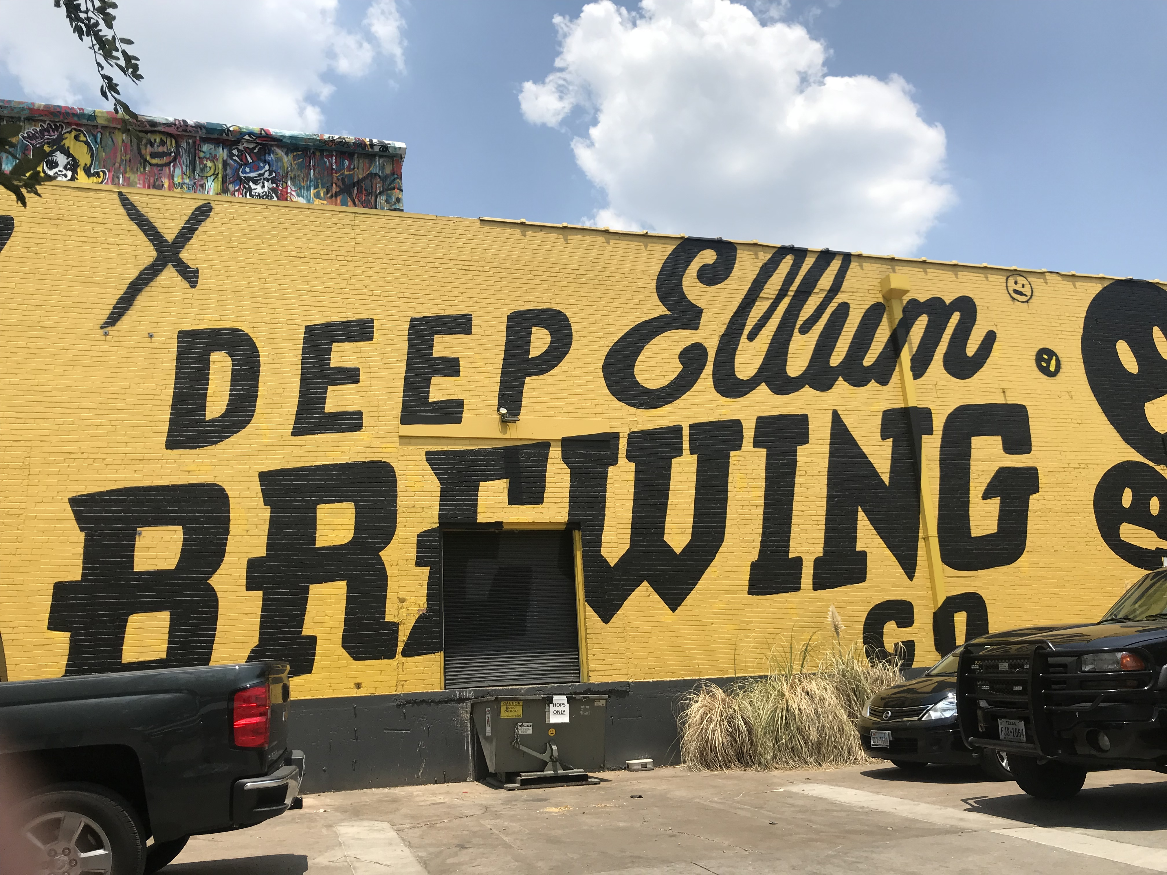 The Best Things To Do In Dallas You'll Want to Do featured by popular San Diego travel blogger, The Brunette & The Beach: Dallas' Deep Ellum Brewing Co