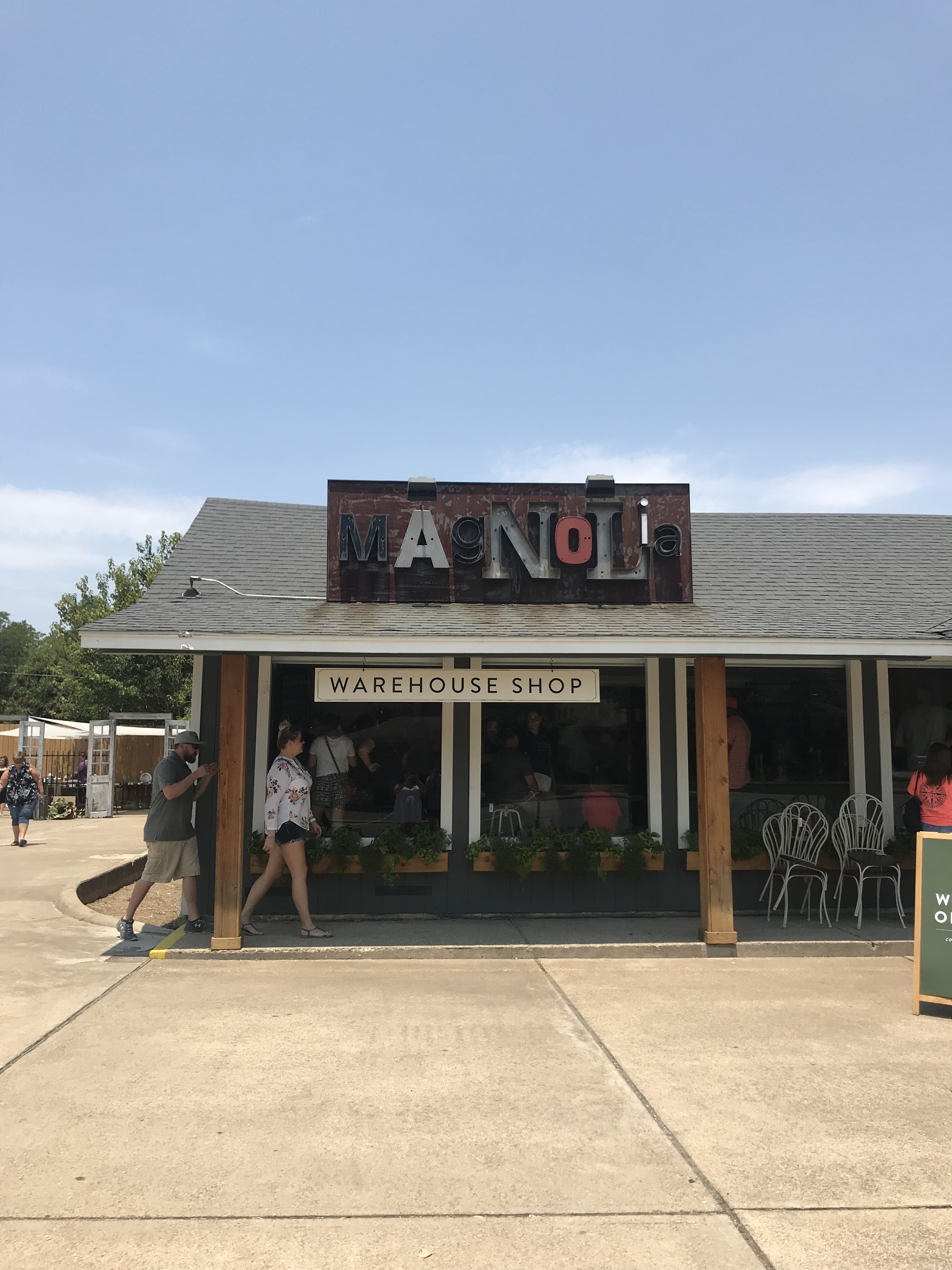 The Best Things To Do In Dallas You'll Want to Do featured by popular San Diego travel blogger, The Brunette & The Beach: Magnolia on the way to Austin