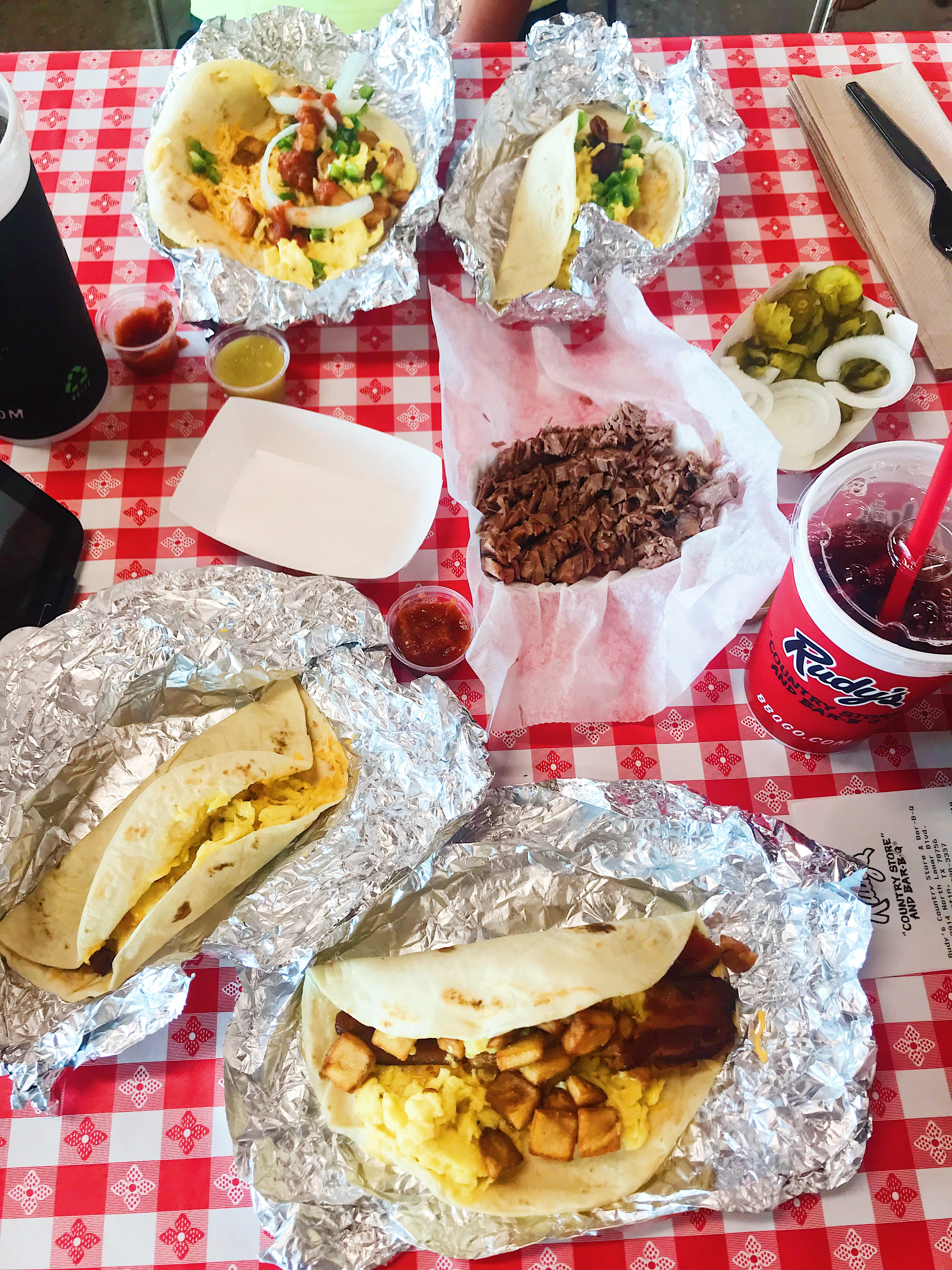 popular San Diego travel blogger, The Brunette & The Beach: places to eat in Austin