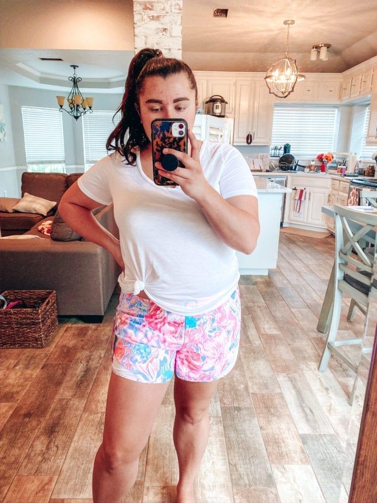 Lilly Pulitzer After Party Sale Haul by popular Southern California blog, The Brunette and the Beach: image of a woman wearing a Lilly Pulitzer Ocean Trail Shorts.